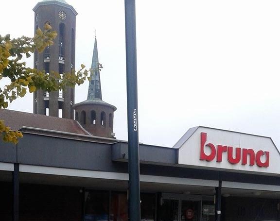 Bruna, bij de Lambertuskerk